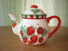 Strawberry-Teapot-Very-Nice