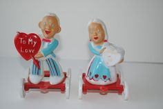 Rosbro E Rosen Vintage Valentine Couple on Wheels Plastic Candy Containers toy