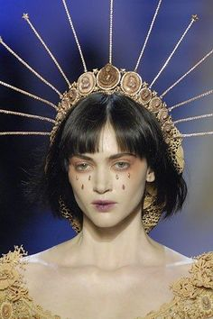 Jean Paul Gaultier Spring 2007 Couture Fashion Show - Haute Couture Jean Paul Gaultier, Paul Gaultier Spring, Arte Fashion, Look Fashion, High Fashion, Fashion Show, Fashion Design, Fashion Goth, Cyberpunk Fashion