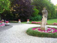 Particolare del giardino fiorito di Villa Foscarini Rossi. #matrimonio #villevenete #location
