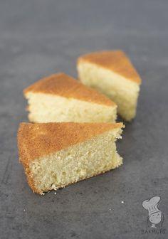 Wolkencake - Deze luchtige cake is gemaakt met opgeklopte slagroom i.p.v. boter. Het resultaat: soort 'wolken'-achtige cake die je zelf nog kunt vullen en afwerken. (Lees het recept via de bron.) Paleo Dessert, Delicious Desserts, Yummy Food, Chocolate Pastry, Chocolate Desserts, Cupcakes, Cake Cookies, Baking Recipes, Cake Recipes