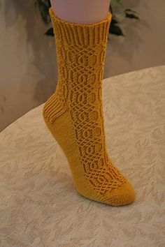 Ravelry: Bob and Weave Socks pattern by Wendy D. Mitten Gloves, Knitting Socks, Ravelry, Weaving, Bob, Knits, Pattern, Tricot, Knit Socks