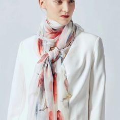 Archívy Šále a šatky - hodváb + polyester - Hodvábne výrobky Modeling, Raincoat, Jackets, Fashion, Rain Jacket, Down Jackets, Moda, Modeling Photography, Fashion Styles