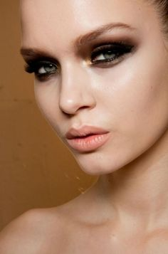 Versace runway makeup