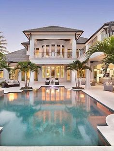 15 Luxury Homes with Pool – Millionaire Lifestyle – Dream Home - Amazing hou. 15 Luxury Homes with Pool – Millionaire Lifestyle – Dream Home – Amazing house with pool Source by Theamunck Dream Mansion, Mansion Houses, White Mansion, Luxury Homes Dream Houses, Luxury House Plans, Luxury Pools, Dream Pools, Dream House Exterior, Pool Houses