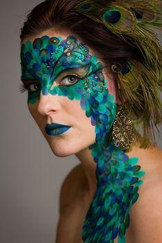 fantasy make-up / face paint / peacock (mua: Karolien Olaerts) Makeup Fx, Party Makeup, Face Painting Designs, Body Painting, Peacock Face Painting, Peacock Makeup, Peacock Mask, Green Peacock, Mermaid Makeup
