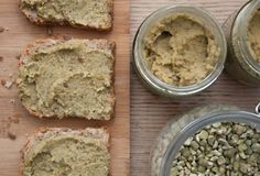 Pasta khaki z grochu (dieta wegańska)