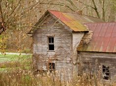 Abandoned Kentucky farmhouse.
