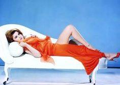 """Ann-MARGRET, née le 28 avril 1941 à Valsjobyn (Suède), est une actrice, danseuse et chanteuse américaine d'origine suédoise. Elle débute en 1961 dans """"Milliardaire pour un jour"""" de Frank CAPRA."""