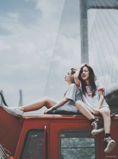 fashion, friend, and girls image