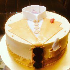 Shirt Cake, Themed Cakes, Desserts, Food, Theme Cakes, Tailgate Desserts, Meal, Dessert, Eten