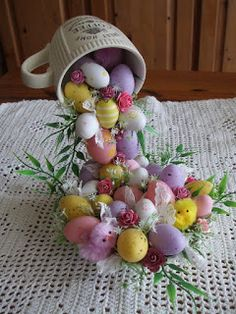 DIY Easter Decorations - Decor Ideas for the Home and Table - DIY Easter Egg Flying Cup Topiary - Cute Easter Wreaths, Cheap and Easy Dollar Store Crafts for Kids. Vintage and Rustic Centerpieces and Mantel Decorations. Spring Crafts, Holiday Crafts, Floating Tea Cup, Teacup Crafts, Diy Y Manualidades, Diy Easter Decorations, Table Decorations, Dollar Store Crafts, Easter Party