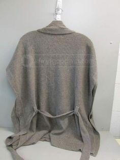 shopgoodwill.com - #18033762 - Ladies Gray Cashmere Medium Sweater - 9/24/2014 10:00:00 AM