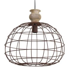 Deze gave draadjes lamp Bahati bestaat uit een matalen frame en de bovenkant is van hout. Dat hout geeft de lamp net even dat extraatje wat hem nog leuker maakt!