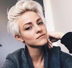 Würdest Du Dich dieses Jahr für Blond entscheiden? Blonde Kurzhaarfrisuren für Dich!
