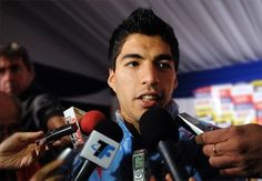 Luis Suárez Suing Liverpool for Rejecting £40 Million Offer  Source: http://www.onlinecasinoarchives.com/sports/