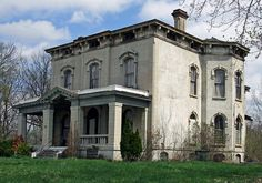Dayton, OH, Haunted Mansion.  There is something I love about this house!