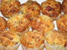 Pizza muffins suitable for parties - recipe with video- Pizzamuffins Party-geeignet – Rezept mit Video Over free recipes in the largest recipe collection on the German-language Internet. Join in and upload your favorite recipes! Snacks Pizza, Snacks Für Party, Easy Homemade Burgers, Homemade Baby Foods, Muffin Recipes, Baby Food Recipes, Free Recipes, Healthy Burger Recipes, Party Finger Foods