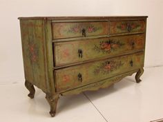 18th c. Italian Venetian Painted Commode or Chest of Drawers 2
