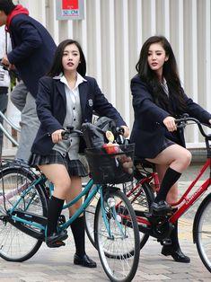 Japanese School Uniform Girl, School Girl Japan, School Girl Dress, Cute School Uniforms, Girls Uniforms, Cute Girl Photo, Cool Girl, Sexy Outfits, Girl Outfits