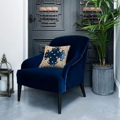 Those looking for a bold and beautiful addition to their home can do no wrong with the Byron Occasional Chair in royal blue velvet. The silver studding and gently sloping arms give this piece an added layer of glamour and opulence which can't be beaten. Outdoor Lounge, Outdoor Dining, Sofa Design, Furniture Design, Interior Design, White Bedroom Chair, Blue Velvet Chairs, Pink Chairs, Blue Armchair