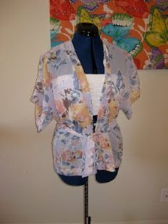 DIY Kimono top.  I will never make this but maybe one of my friends who sew can be persuaded to make me one!