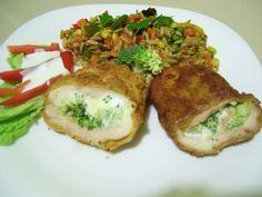 Sajtos brokkolival töltött rántott csirkemell rizsszem tésztás zöldségkörettel