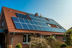 Homeowners Increasingly Couple Solar Panels with Rechargeable Energy Storage Tech
