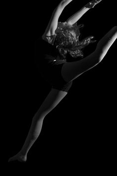 Dancer in black and white  Sara Faith Photography  Redding, CA