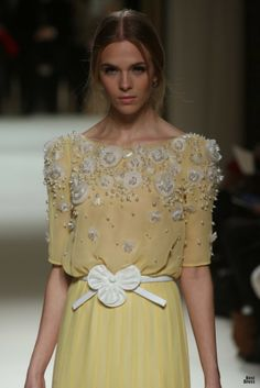 Georges Hobeika HOUTE COUTURE SPRING/SUMMER 2012 High Fashion Haute Couture Georges Hobeika featured fashion Runway Fashion, Fashion Models, High Fashion, Fashion Beauty, Fashion Outfits, Couture Details, Fashion Details, Fashion Design, Beautiful Gowns