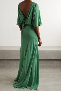 Fashion Advice, Fashion News, Dress Outfits, Fashion Dresses, Beauty News, Dress First, Silk Ties, Wrap Dress, Emerald