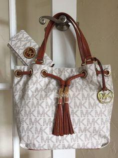 6bde33d0313d Michael Kors Jet Set Gathered Large Tote Handbag In Vanilla - Cream | eBay