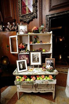 Antique Hutch Display.  We should have hauled in the one I have kind of like it...........and Al could have worked her magic.