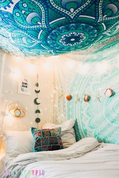 Bedroom Goals ✨ ☽ ✩ Mermaid themed room by Lady Scorpio Country Bedroom Design, French Country Bedrooms, Country Decor, Design Bedroom, Bedroom Themes, Bedroom Decor, Bedroom Ideas, Urban Outfitters Apartment, Brighten Room