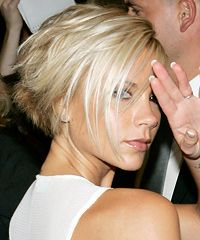 Victoria Beckham Short Haircut- I think YES to this for the summer! Concave Bob Hairstyles, Short Bob Hairstyles, Celebrity Hairstyles, Pretty Hairstyles, 50s Hairstyles, Creamy Blonde, Short Haircut, Great Hair, Hair Today