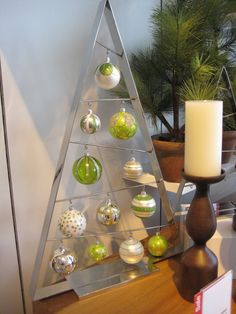 Living With Color Designs: Modern Christmas Decorations