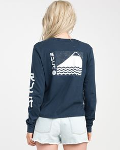 The RVCA Sea Mount Long Sleeve T-Shirt is a classic long sleeve tee with a relaxed fit and a slightly cropped silhouette. It has front/back/sleeve scree...