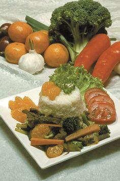 Oksegryde med løg og mandariner SlankeDoktor.dk  Velsmagende oksekødsgryde med løg og mandariner. Serveres med løse ris og tomater.