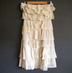 This could be the perfect dress for the after party... or the sweet and chic garden wedding. Pair it with taupe heels and a soft flowing low pony tail.