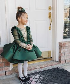Greyson Regina Land greyson_land - As you can see, Bitty was really feeling herself in this gor. Baby Kids Clothes, Absolutely Gorgeous, Green Colors, Tulle, Flower Girl Dresses, Photo And Video, Wedding Dresses, Skirts, Fashion