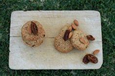 Organic Sisters : Almond & Date Cookies