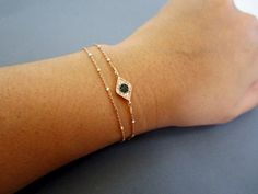 Boze oog armband, bescherming armband, armband, gelaagde Rose gouden satelliet keten, boze oog sieraden, celebrity geïnspireerd sieraden door Lotus411 op Etsy https://www.etsy.com/nl/listing/158701957/boze-oog-armband-bescherming-armband