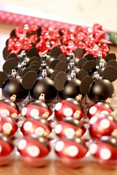 DIY: Mickey & Minnie Ornaments (maybe our theme this year ) Minnie Mouse Christmas, Noel Christmas, Diy Christmas Ornaments, Winter Christmas, Holiday Crafts, Holiday Fun, Christmas Decorations, Ornaments Ideas, Outdoor Christmas