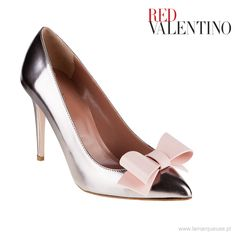 Metaliczne szpilki z kokardką od Red Valentino. ...: #RedValentino  #szpilki #highheels #LaMarqueuse #trends #trendy :...