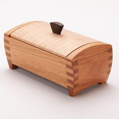 Woodworking Classes Near Me Wooden Gift Boxes, Wooden Jewelry Boxes, Wood Boxes, Wooden Box Plans, Woodworking Router Bits, Woodworking Projects That Sell, Woodworking Plans, Woodworking Classes, Wood Box Design