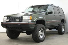Nice lifted Orvis Edition ZJ