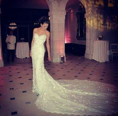 I adore this sparkly wedding gown!!