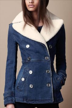 The Jacket Burberry Shearling Warmer Denim Jacket, Denim Attire, Denim Outfit, Jeans Bleu, Mode Jeans, Beauty And Fashion, Denim Coat, Jackets For Women, Clothes For Women, Shoes With Jeans