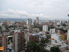 Buenos días Bucaramanga !!! Así amanece nuestra hermosa ciudad hoy domingo vista desde Cabecera del Llano. Gracias Miguel Angel Suarez (http://on.fb.me/1viMsM2) por la foto. #bucaramangabonita