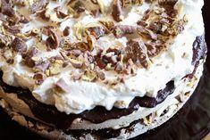 Smash-kake - Oppskrift - Godt.no Homemade Pound Cake, Pound Cake Recipes, Chocolate Kit Kat Cake, Norwegian Food, Norwegian Recipes, Cake Smash, Delish, Food And Drink, Yummy Food
